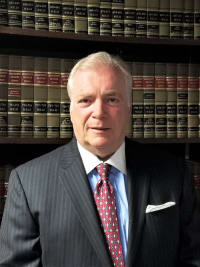 Top Rated Business Litigation Attorney in Westwood, MA : Robert N. Launie
