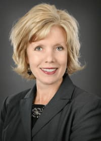 Top Rated Family Law Attorney in Edina, MN : Jolene Baker Vicchiollo