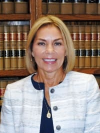 Top Rated Family Law Attorney in Evansville, IN : Laurie Baiden Bumb