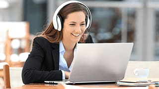 Woman watching a Featured Webcast